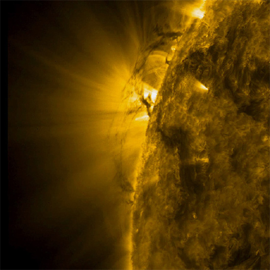 "Plasma ""tornadoes"" on the Sun"
