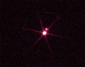 Sirius A and its white dwarf companion in X-ray light. Credit: NASA/CXC/SAO