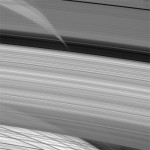Saturn&#039;s rings are diffuse. Credit: NASA/JPL/Space Science Institute