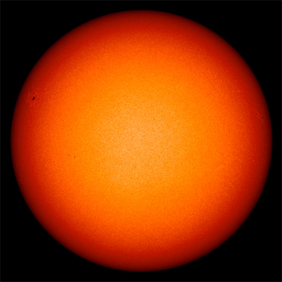 Latest image of the quiet Sun from the Solar Dynamics Observatory (SDO) satellite (March 25, 2013). Credit: ESA/NASA