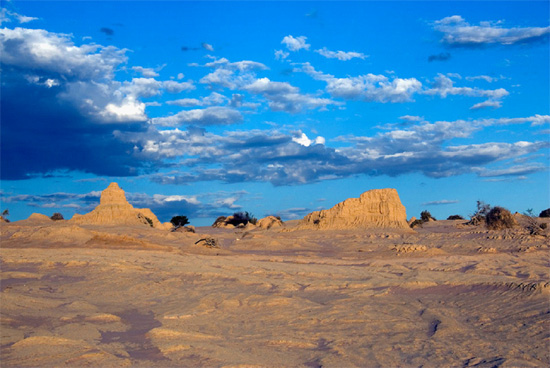 Lake Mungo's 'Walls of China' lunettes