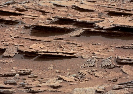 Fractured and apparently layered rock on Mars. Credit: NASA/JPL-Caltech/MSSS