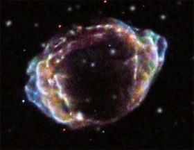 Relaxation phase of a super-exploding double layer. Credit: X-ray (NASA/CXC/NCSU/K.Borkowski et al.); Optical (DSS)