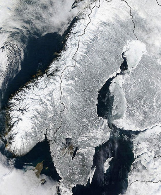 The Scandinavian Peninsula from space. Credit: NASA GSFC/Jacques Descloitres, MODIS Land Rapid Response Team