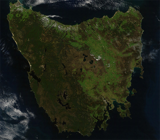 The island state of Tasmania, Australia. Note the large circular formation to the southwest. Credit: Jeff Schmaltz, MODIS Land Rapid Response Team at NASA GSFC.