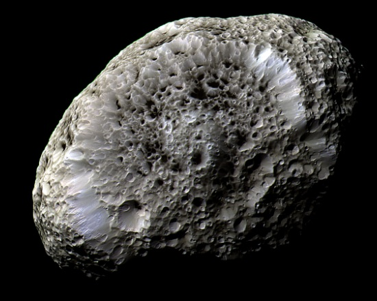 Thunderblog Hyperion cassini20141016-full (1) 550X440