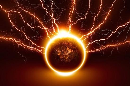 Lightning-shutterstock_110468735-WEBONLY
