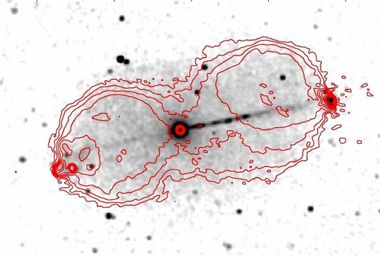 X-ray jets from the galaxy Pictoris A. Red contours show the radio emission. NASA/Chandra, Hardcastle et al.