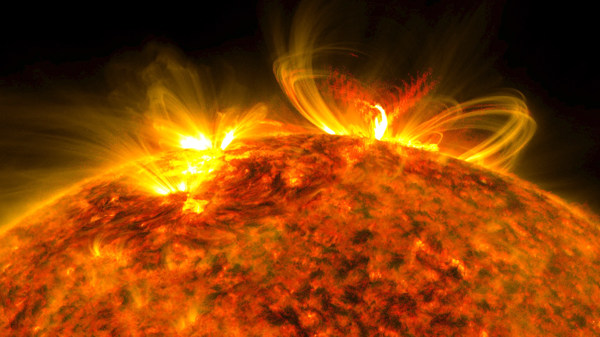 recent solar flare - HD2304×1296
